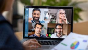 persone in videochiamata in smart working
